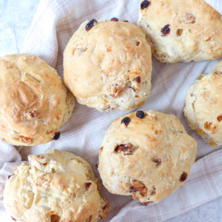 French style walnuts and raisins bread