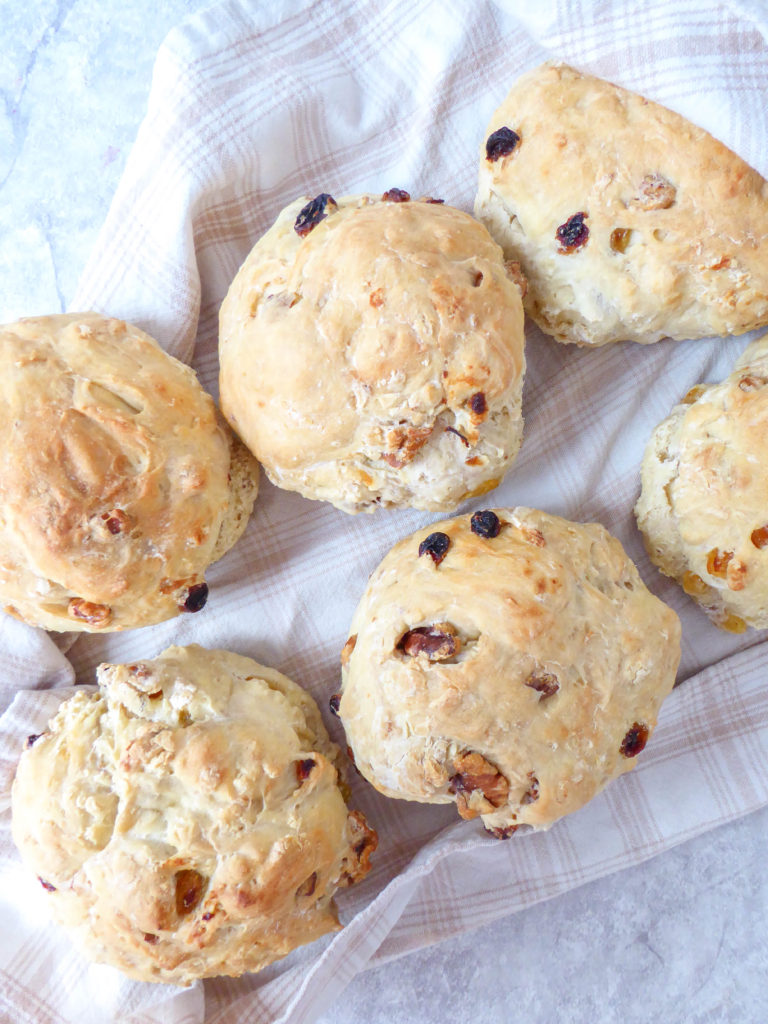 French style walnut and raisins bread