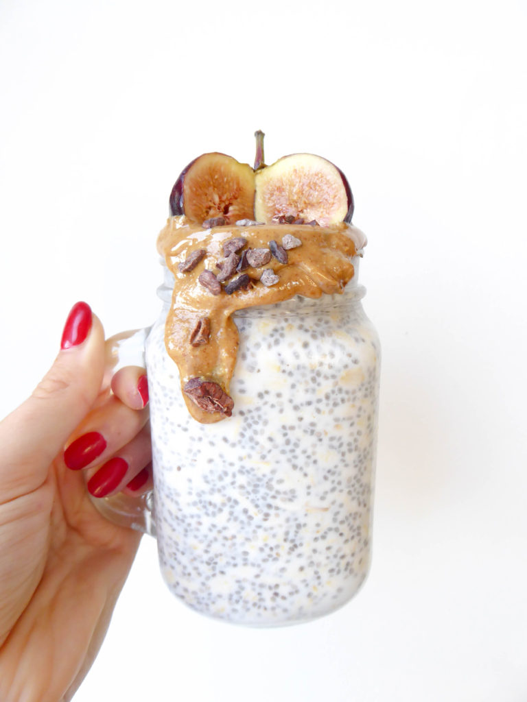 Overnight Oats Chia Pudding Milkshake - Vegan quick breakfast for people on the go!